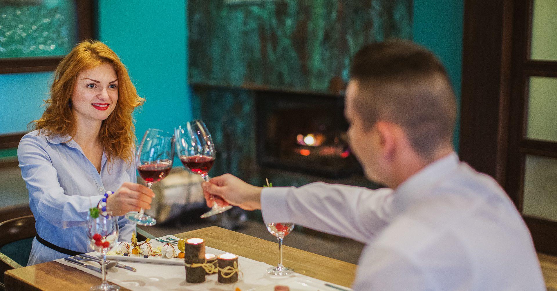 5 tipov ako skombinovať jedlo s vínom